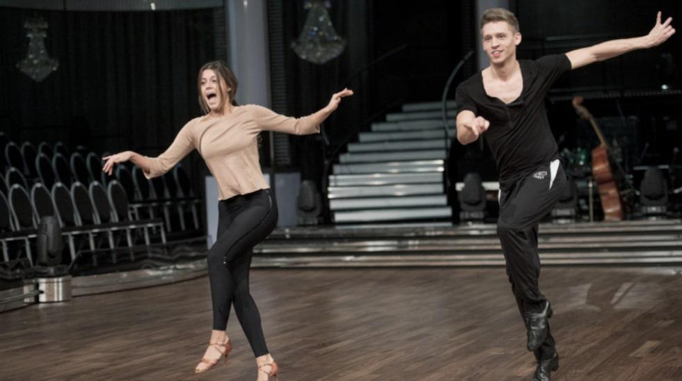 """""""Jag gillar när jag få le och ha energi i dansen"""", säger Bianca Ingrosso. Här repeterar hon med danspartnern Alexander Svanberg."""