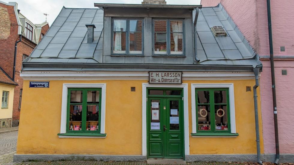 Flanera och njut av idyllen med söta gatuhus på Tomegapsgatan.