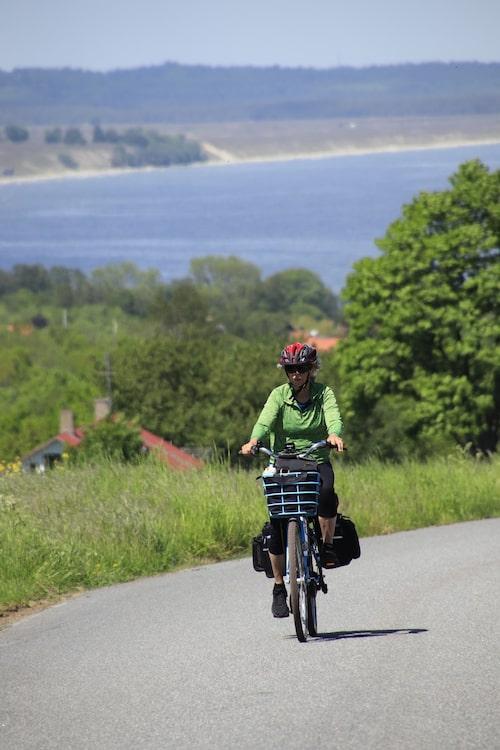 Skönt med elcykel i backen från Kivik upp mot Stenshuvud.