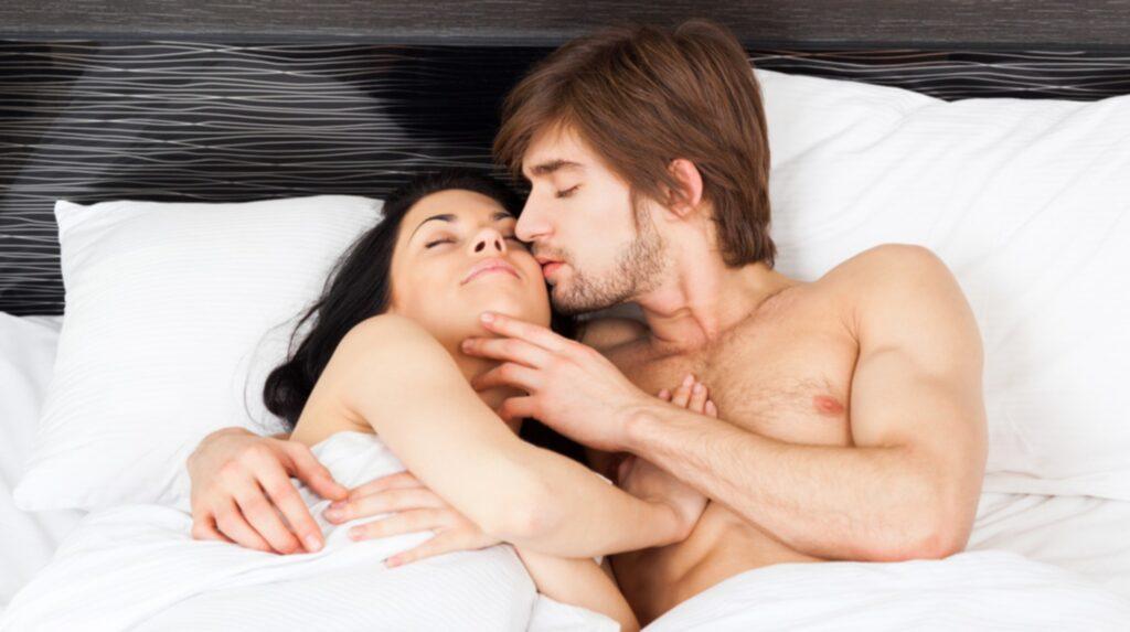 Regeringen har gett Folkhälsomyndigheten i uppdrag att utreda svenskarnas sexvanor.