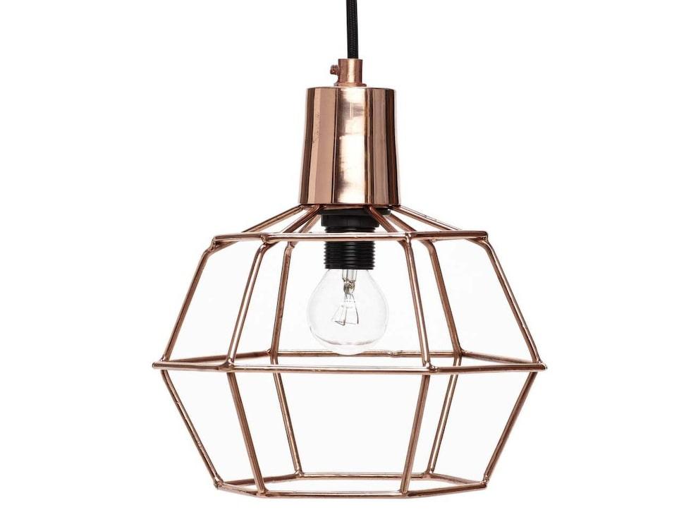 Fint i metall. Trendig lampa av koppar, från Hübsch, 839 kronor,  Reformasthlm.se.