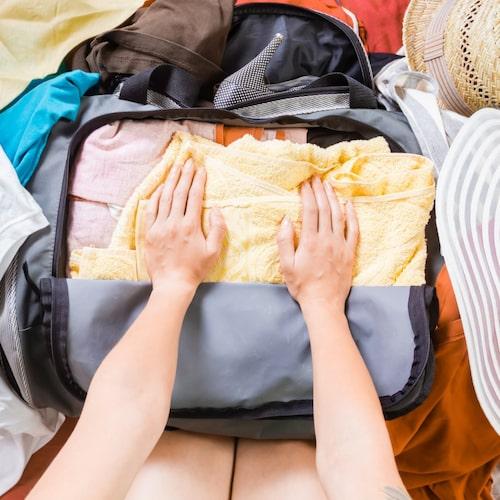 Rena underkläder tar ingen plats i handbagaget och är bra att ha om din stora resväska försvinner.