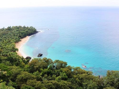 Reklamfilmer för Bacardi har spelats in på exotiska stranden Banana beach på Príncipe.