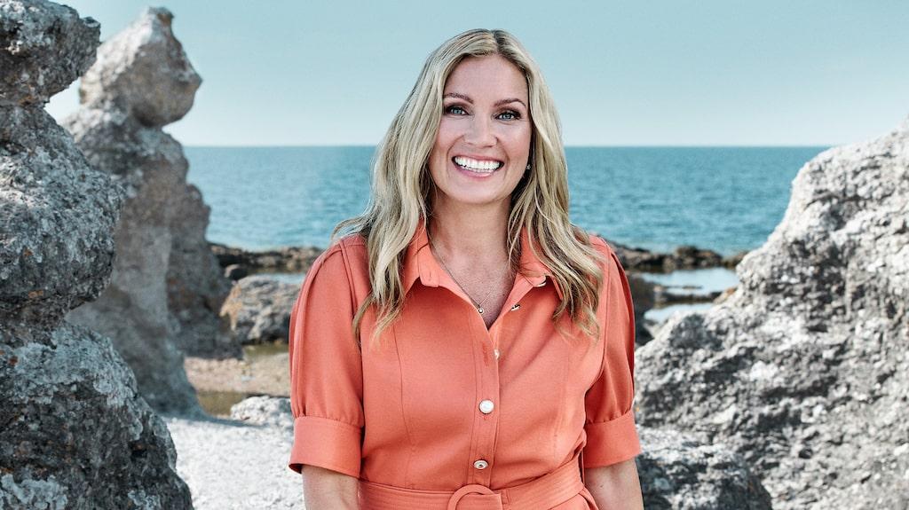 """Jessica Almenäs är programledare för """"Superstars"""", som spelades in på Gotland."""