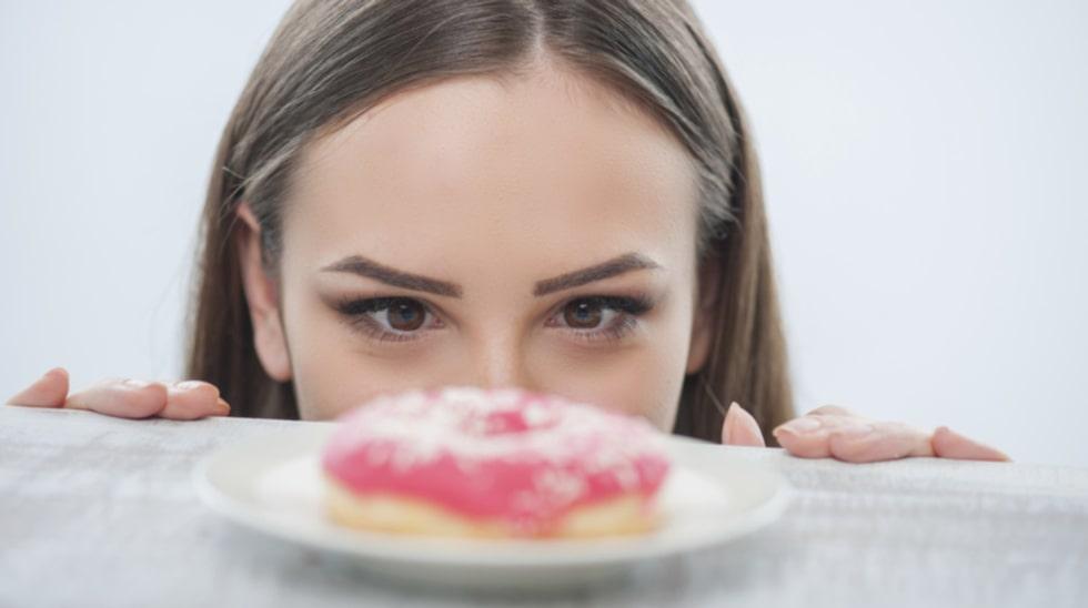 Vill du skippa socker? Börja med att rensa kylen från sötsaker och fylla på med sockerfri, bra mat.