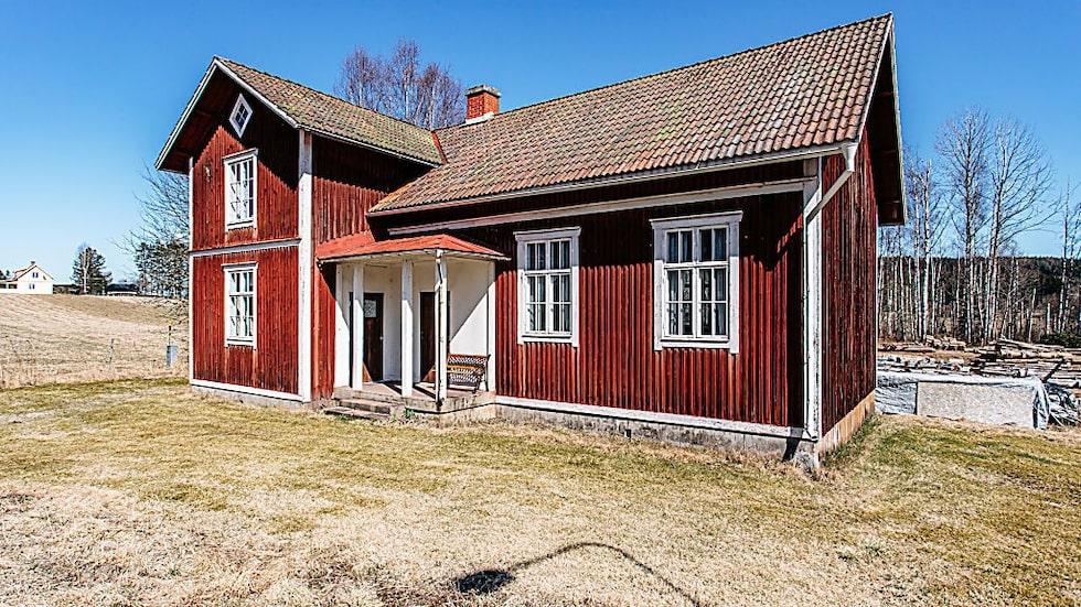 Huset är 150 kvadratmeter stort.