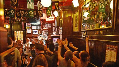 Till Dublin åker man för den goda stämningens skull.