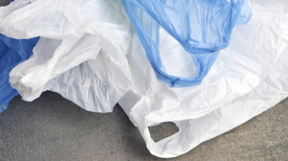 <p>Är du också trött på alla plastpåsar som skräpar? Det är enkelt löst!<br></p>