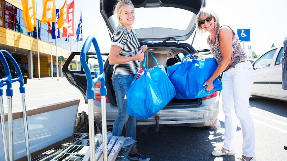 Nu slipper du hyra eller låna bil och ta dig långt utanför stan när du vill handla på Ikea.