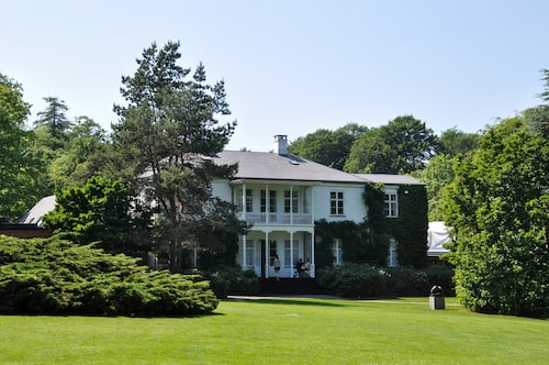 Villa Louise, Louisianas ursprungsbyggnad.