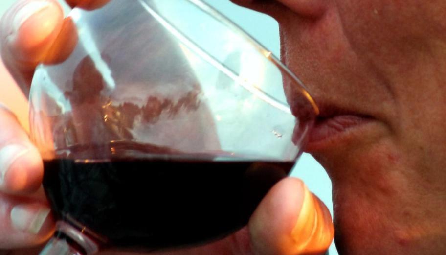 Antioxidanten resveratrol i vinet hjälper dig att hålla vikten.