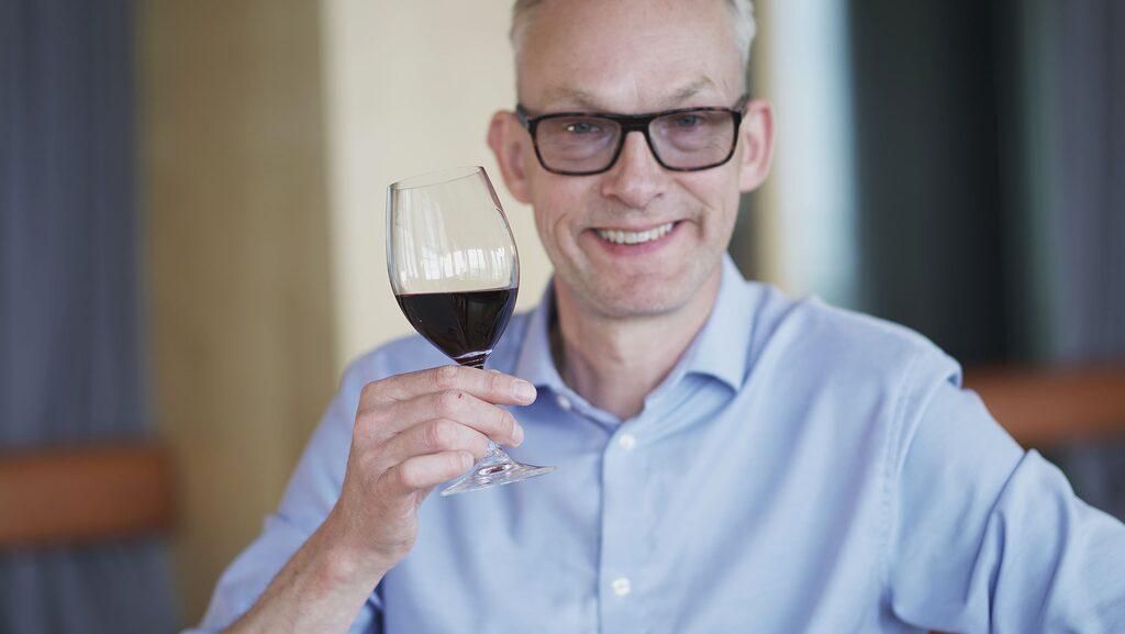 Allt om Vins sommelier Erik Thorsell.