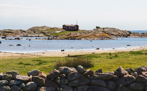 Klimatet på Hallands Väderö är mildare än på fastlandet och här finns mycket att se och uppleva för vänner av djur och natur.