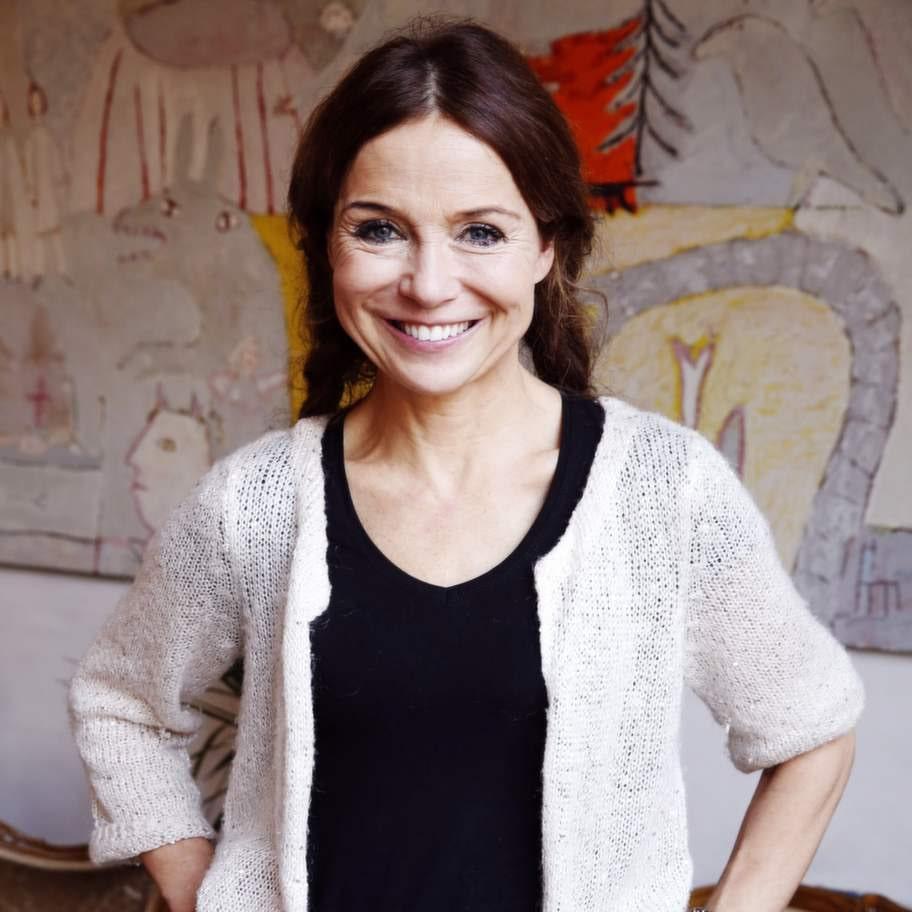 """""""Det är viktigt att inte glömma bort att skratta, det är skrämmande hur lite vi garvar när vi blir äldre"""", säger Annika Jankell."""