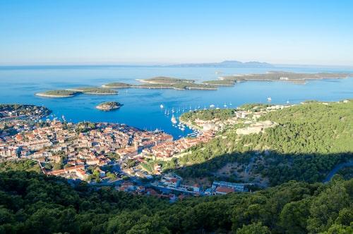 Utsikt över Hvar och Pakleni-öarna.