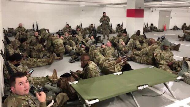 Ilskan efter bilderna på soldater i garaget