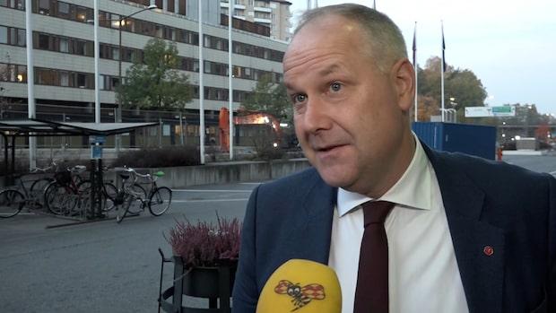 """Sjöstedt (V): """"Om det var en flirt med C så är vi emot det"""""""