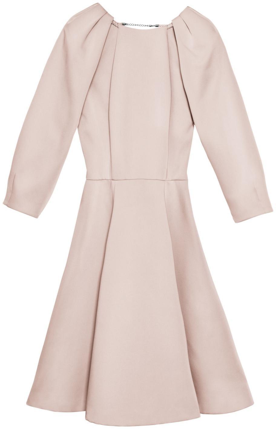 Den perfekta klänningen för dig med päronfigur kommer från H&M och kostar 499 kronor.