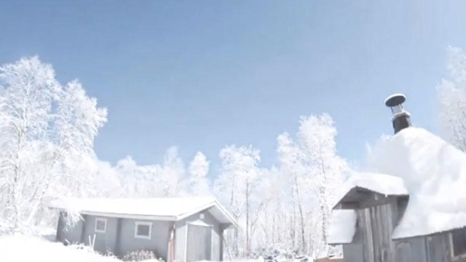 Den stationära kameran som satts upp för att videostreama norrskenet i Lappland fick med den spektakulära ögonblicket när en brinnande meteor förvandlade natt till dag.