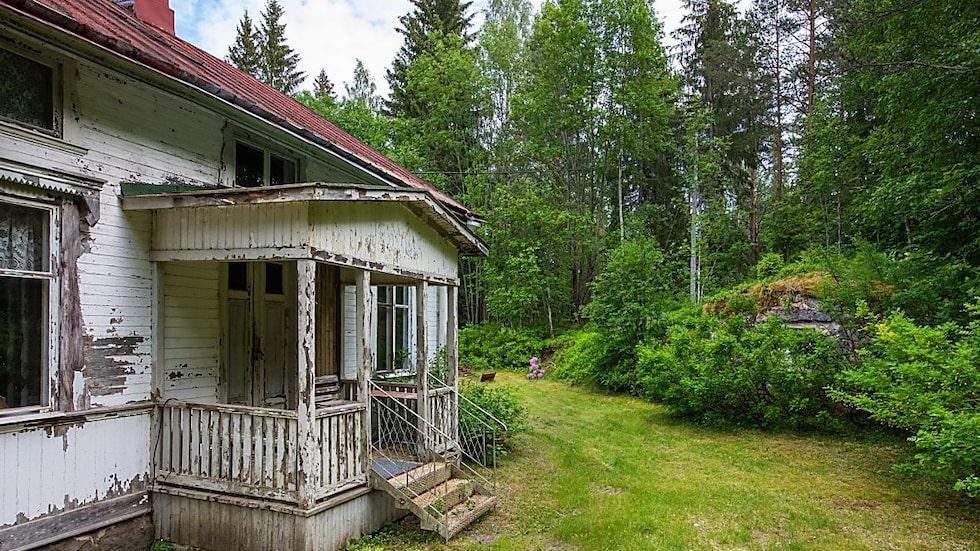 Det finns en hel del att göra med huset som inte renoverats på många år.