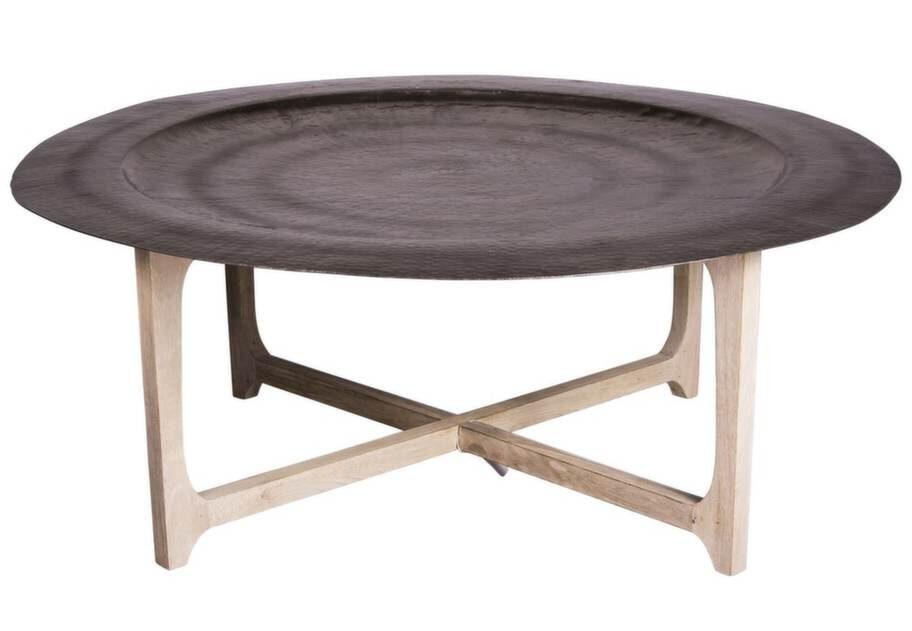 Höstnyhet. Brickbord Laide med underrede i mangoträ och bricka i metall, 91 centimeter i diameter, 36 centimeter högt, 3700 kronor, Broste.