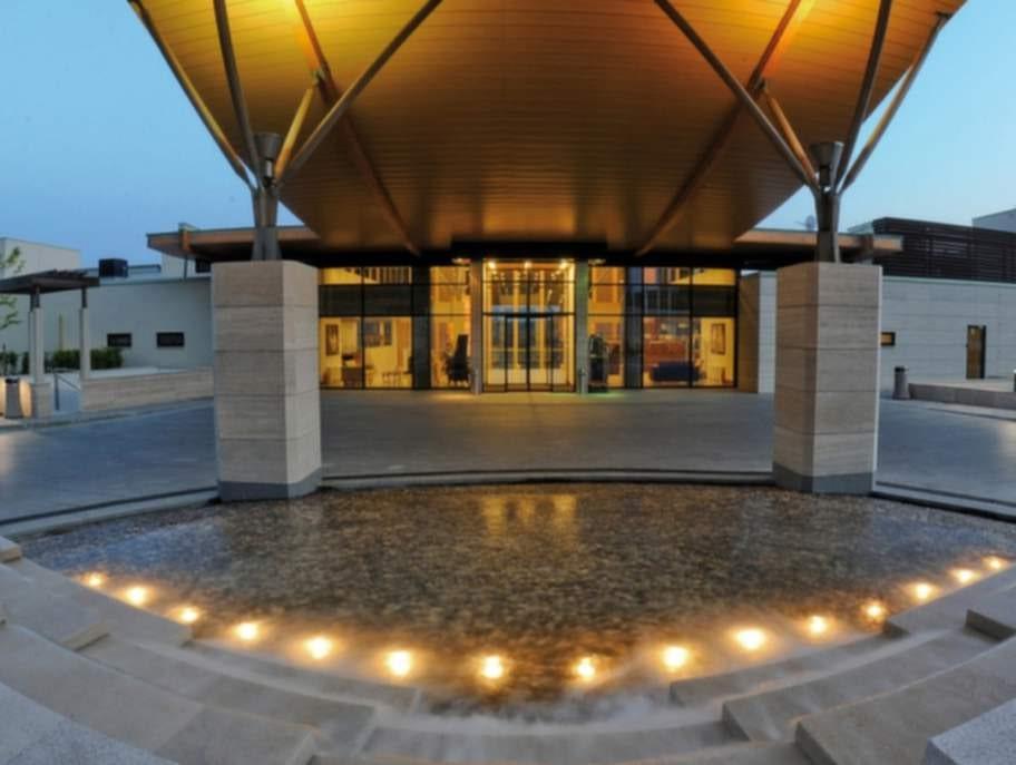 176 av 214 recensioner på Tripadvisor belönar hotellet med högsta möjliga betyg.