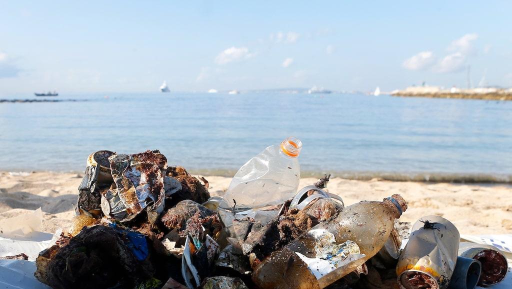 I oktober plockade dykare upp plast från havet vid Portixol på Mallorca.