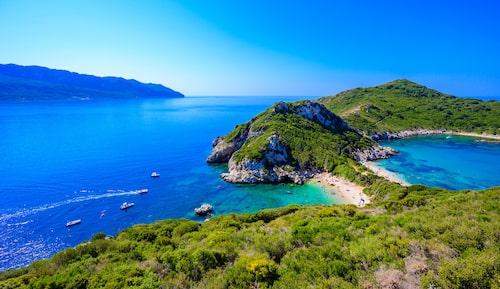 Porto Timoni-stranden på den gröna ön Korfu.