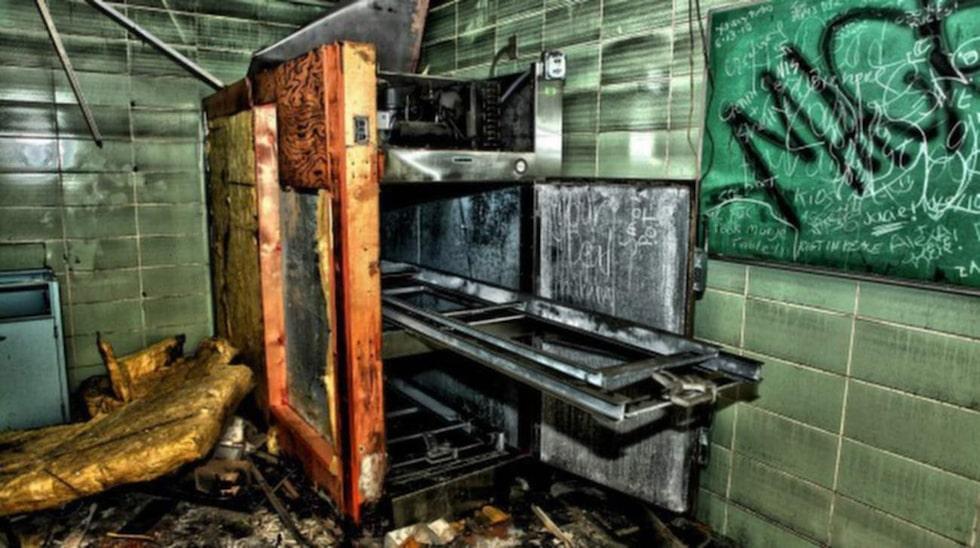 Ävenkylskåpet för kylförvaring av avlidna fanns kvar.