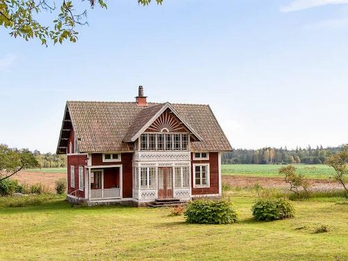 Det söta huset i Lekhyttan utanför Örebro var till salu för 775 000 kronor.
