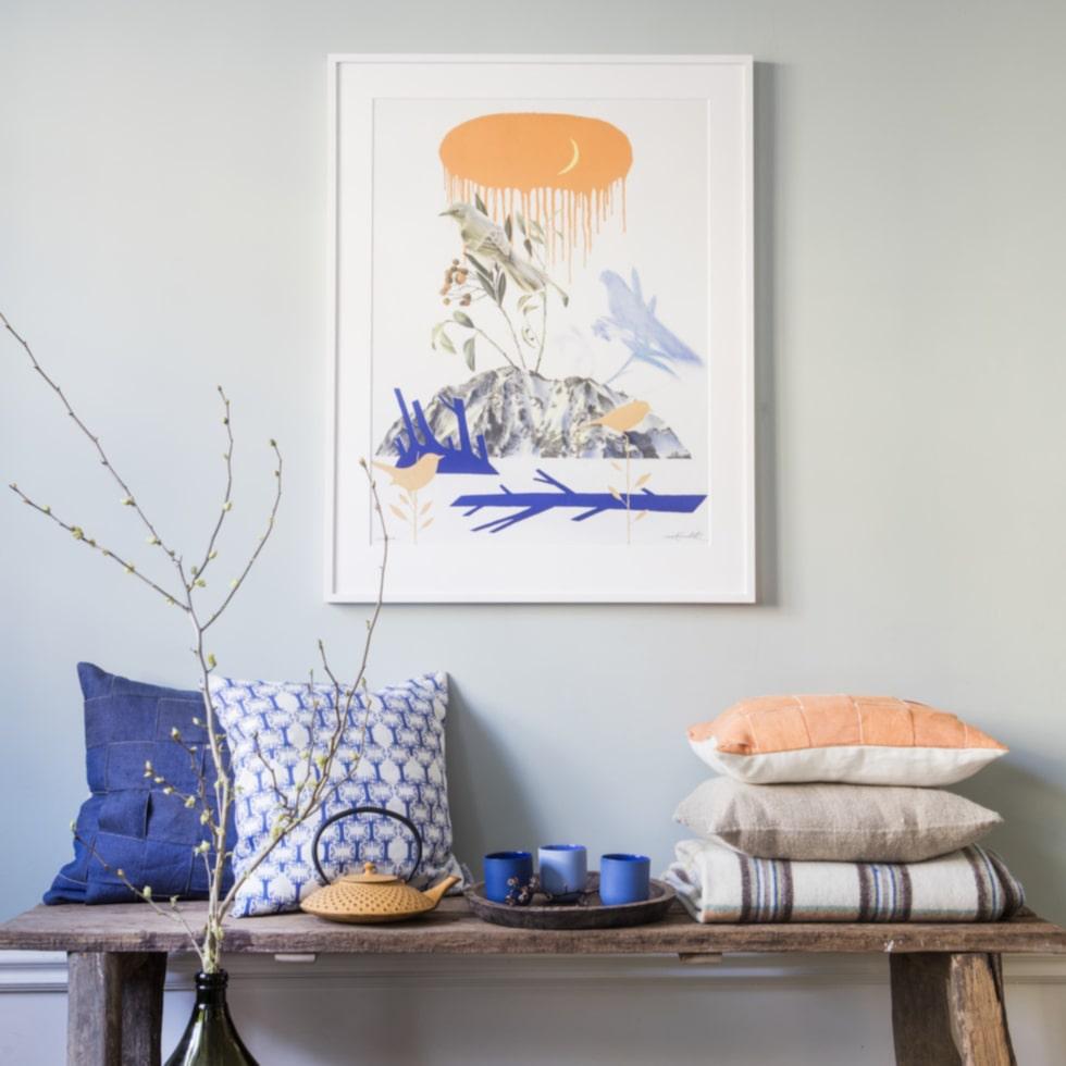Daniel Grunditz målar utan regler och ser sitt konstnärskap som ett äventyr. Klicka på tavlan i bilden för att komma till LEVA&BO:s nya konstgalleri.