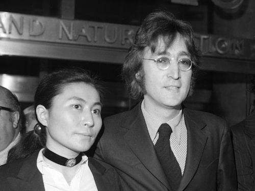John Lennon blev skjuten av Mark David Chapman den 8 december 1980.
