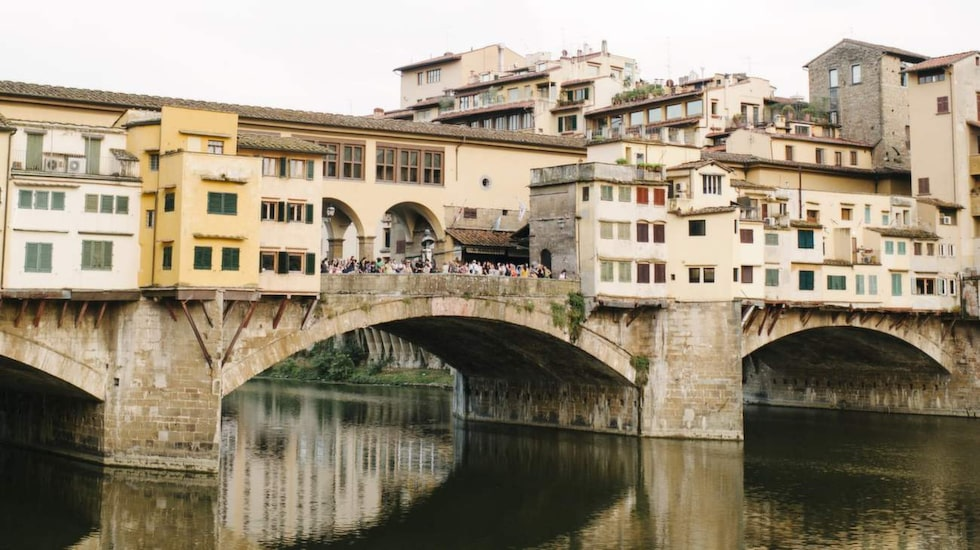 Ponte Vecchio är värd ett besök om ni passerar Florens.