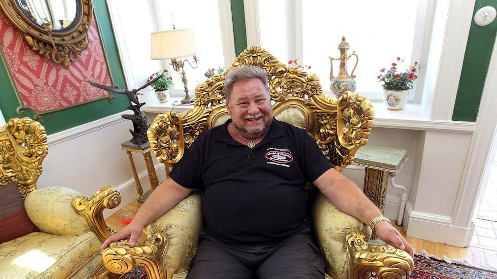 Leif-Ivan Karlsson sänker utgångspriset för villan med fyra miljoner.