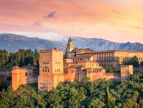 Den berömda fästningen Alhambra i Granada.