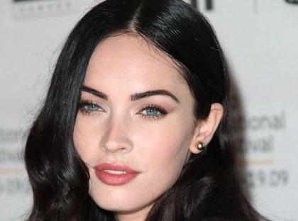 Blek Hollywoodkändis - Megan fox.