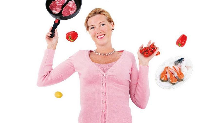 ÖVERTYGAD. När norska läkaren Sofie Hexeberg - tvärtemot vad hon lärt sig under utbildningen - började ordinera mättat fett till sina patienter blev det äntligen resultat: patienterna blev av med övervikt, fick sänkt blodtryck, förbättrad diabetes och stabilt blodsocker.