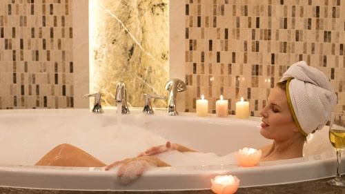 Kan ett bad i magnesium lindra PMS?