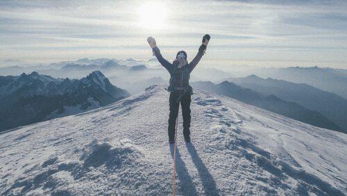 Emma varvar arbete hemma i Stockholm med utflykter för bergsbestigning i Europa ett bra tag framöver, berättar hon.