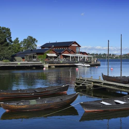 Fjäderholmarna är Stockholm närmaste skärgårdsö.