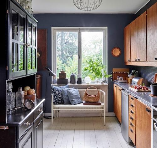 Det behöver inte vara samma färg, men möblera och välj färger som passar ihop.
