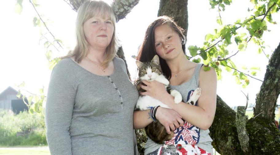 """BLEV VÄRRE. """"Izabella blev bara hängigare och hängigare"""", säger Izabella Kurzajs mamma Anna Kurzaj."""