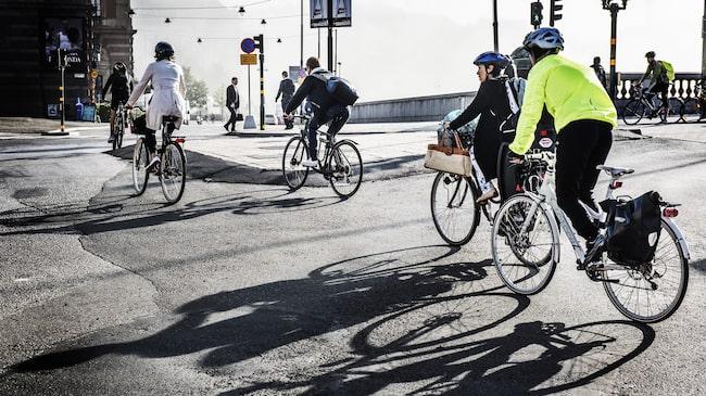 Följer du reglerna när du cyklar? Det kan bli dyrt annars, varnar polisen.