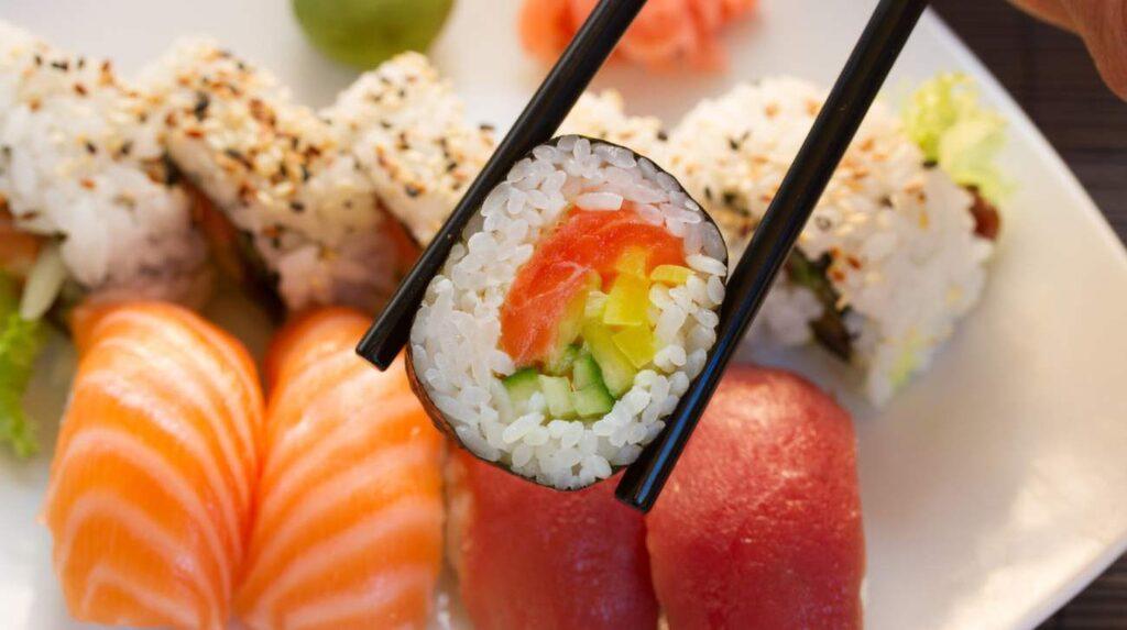 <p>Ett sushihak kvalar in på listan: Esa Sushibar. </p>