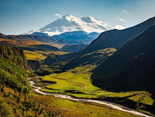 Elbrus i Kaukasus – Europas högsta berg.