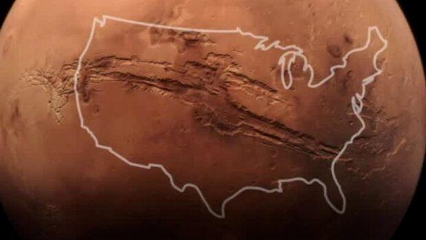Nya bilderna visar solsystemets största bergsklyfta på Mars