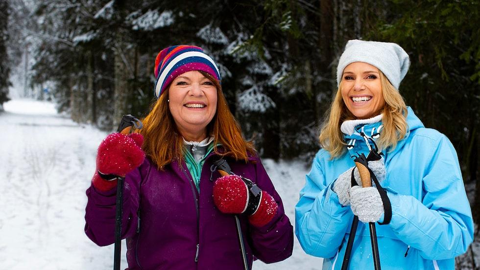 """Doktor Karin Granberg och Sofia Rågenklint som programleder """"Fråga doktorn hälsa""""."""