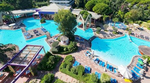 På hotell Dionysos i Ixia kan hela familjen trivas.