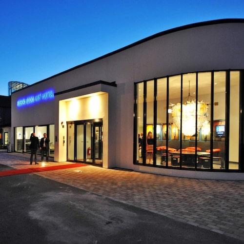 Kosta Boda Art Hotel ligger mitt i småländska glasriket.