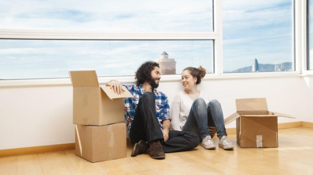 TEtt tips är att a reda på var det byggs nya lägenheter. De är lättare att få kontrakt på, men har i stället högre hyra. Kanske dela med en kompis?